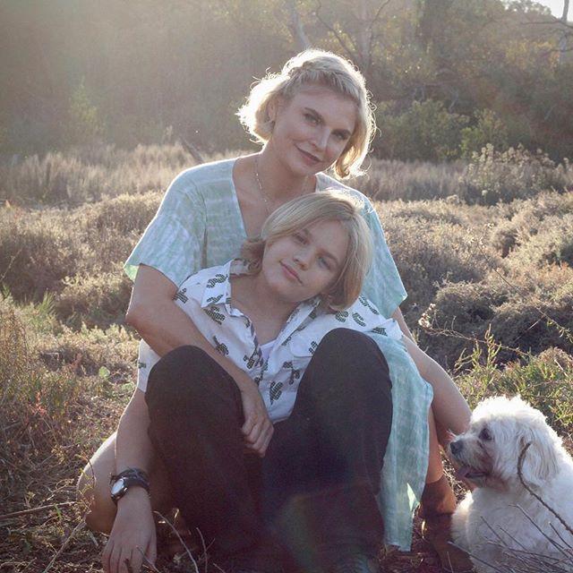 Holiday photo shoot for these cuties today #mothersonphotoshoot #holidayphotoshoot #sandiegophotographer #sandiegobusiness #gingerhilldesign #ranchosantafe #sandiego #cardiffbythesea #encinitas #leucadia