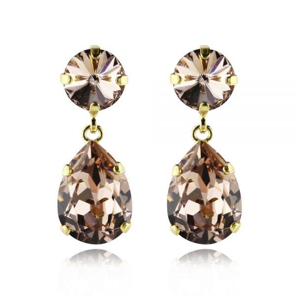 Mini drop earrings.