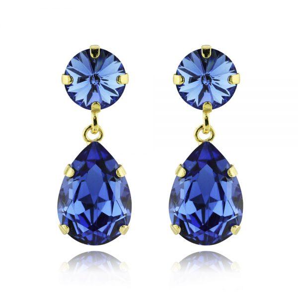 Classic drop earrings.