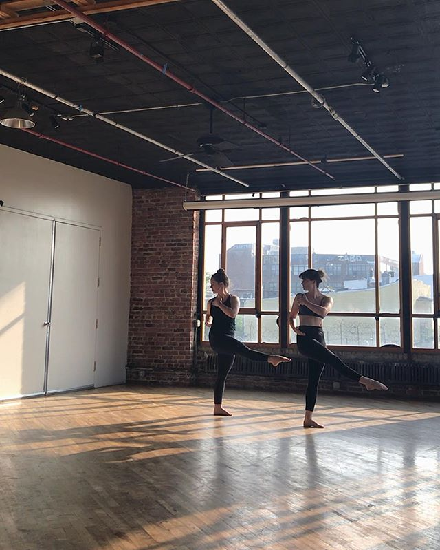 Friday Forms 🏗 . . #newwork #bkdance #rehearsalspace #process #thedancinggeorginaproject #thedgp #spacetimecontinuum