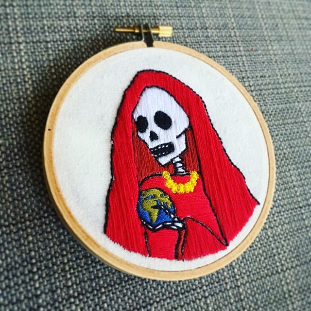 She's all done! (Actually she's been done since November but I've been neglectful.) La Santa Muerte. 💀📿⚰️ . . . #acreativedc #embroidery #lazygrammer