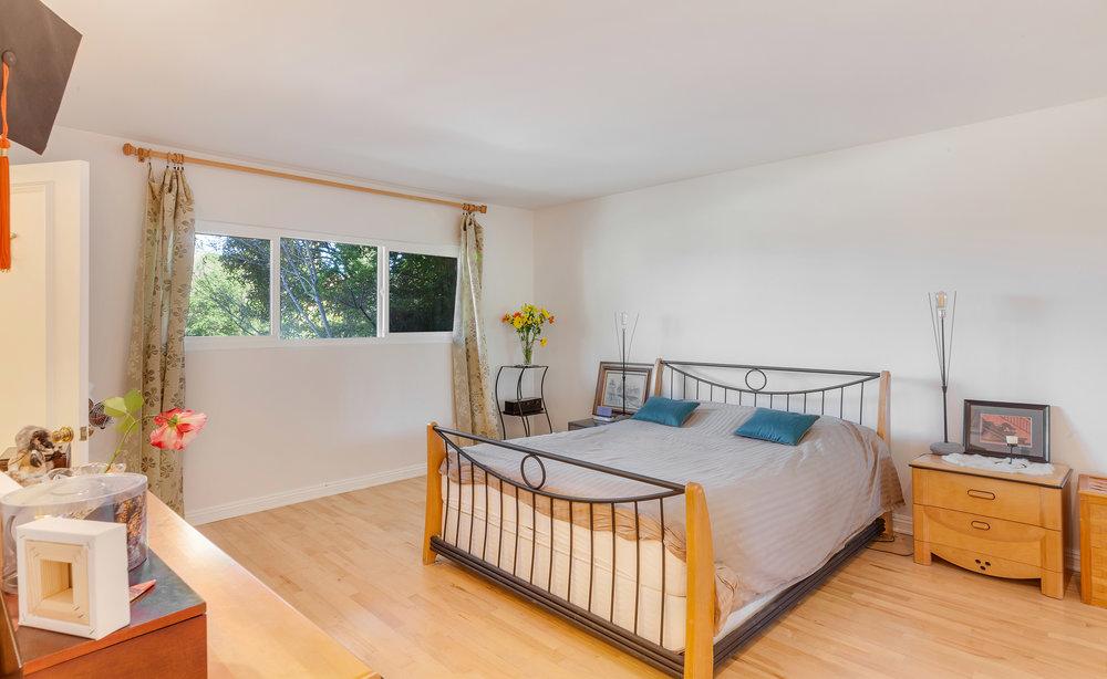 dl-bedroom.jpg