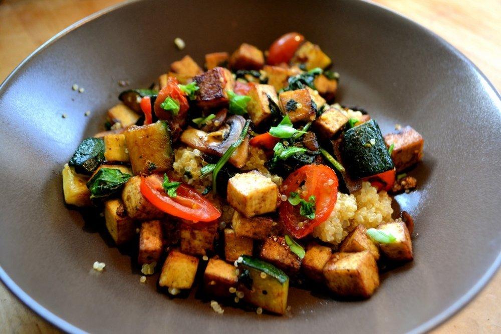 Stir-fry tofu and vegetables (Source:runningwithspatulas)