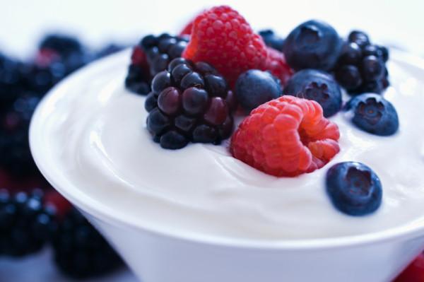 Yoghurt with berries (Source:dailyperricone)