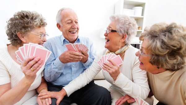 4 Elderly people playing cards (Source:elderlycaredecisions)