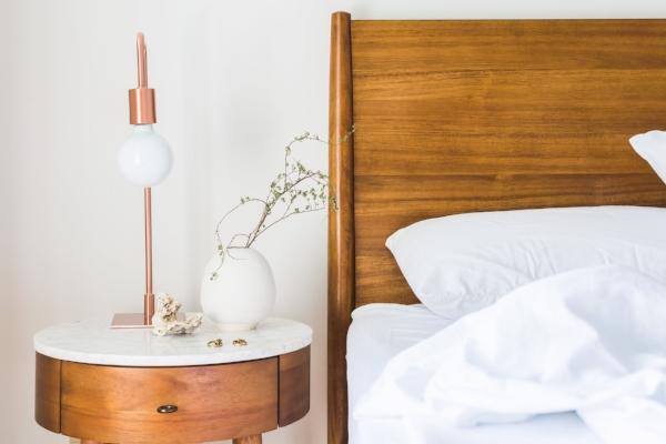 bed bed-bedroom-comfort-545046.jpg