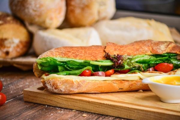 sandwiches raphael-nogueira-435170-unsplash (1).jpg