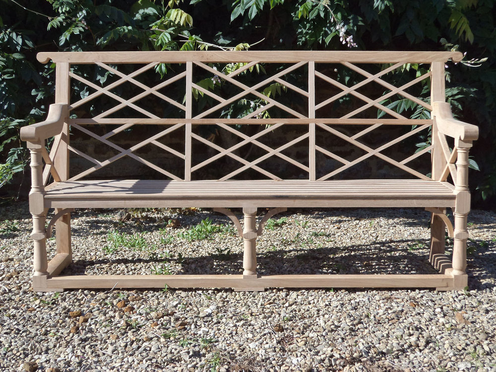 Oak Chippingdale bench