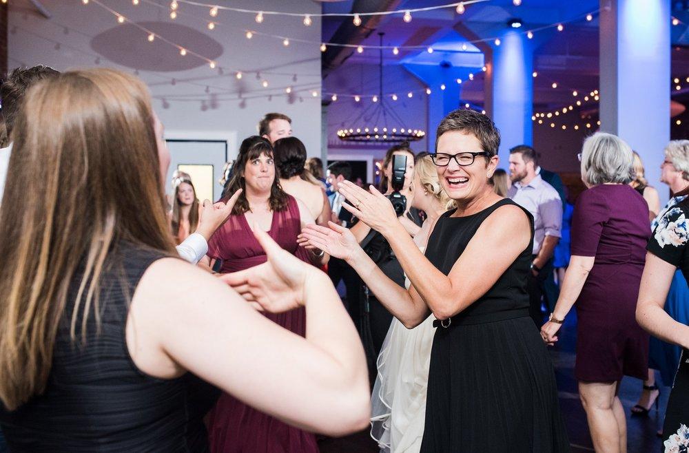 PS_Kansas_City_2016_Main_St_Wedding_0447.jpg