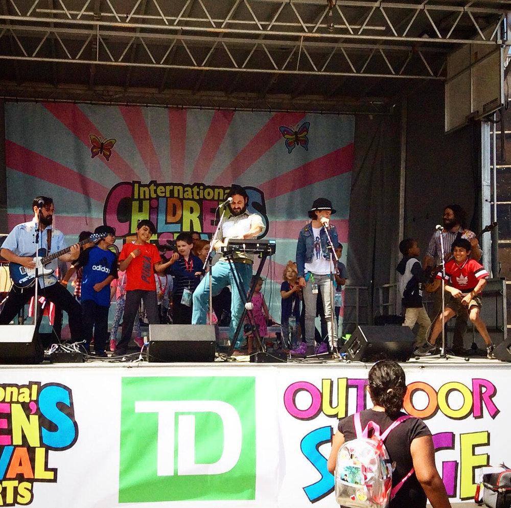 stage_kids.jpg