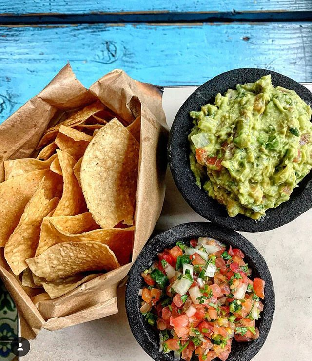 Forget about pizza, have some guacamole!  #piday 📸 @foodmuenster