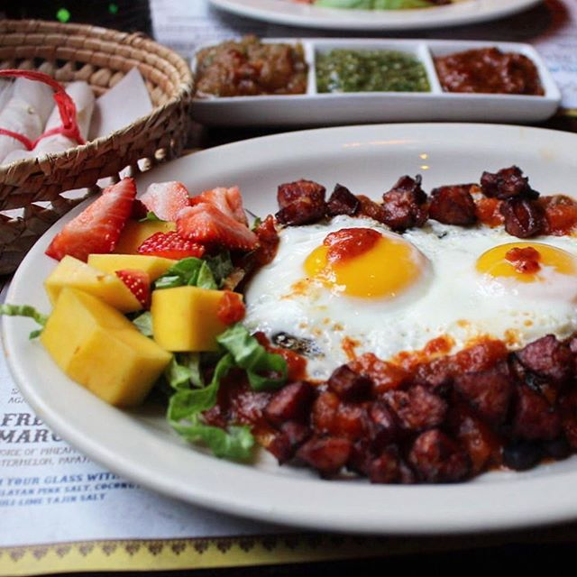 It's a beautiful day for brunch at Caliente!
