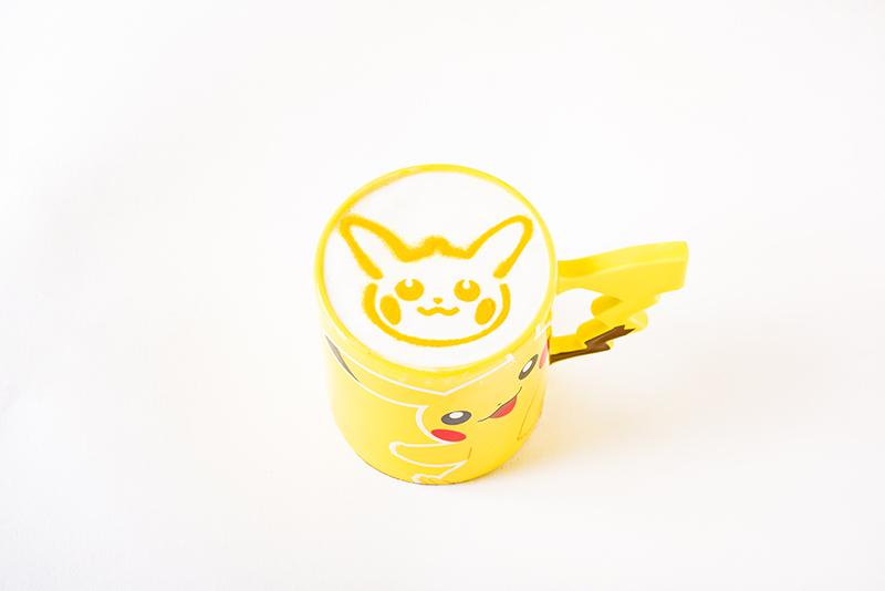 ピカチュウのハロウィンマロンラテ 918円(税込)