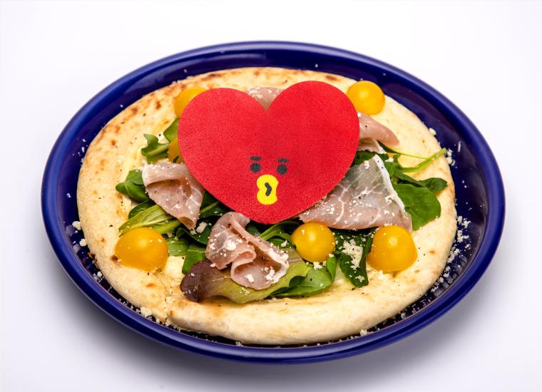 4. TATAのサラダピザ