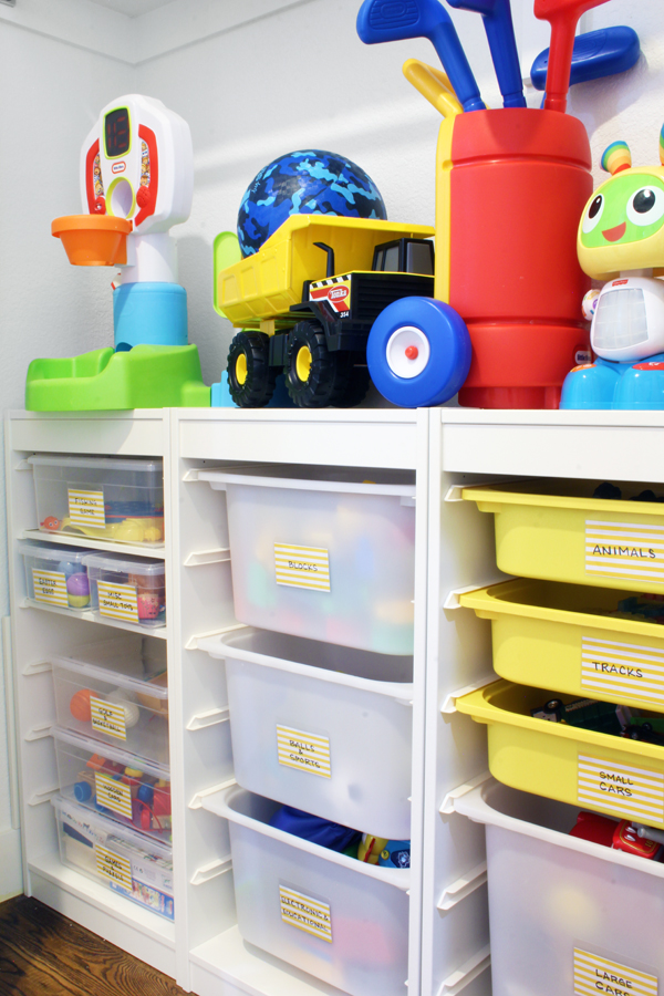 Blue i Style - Closet Toy Organizer with Bins.jpg