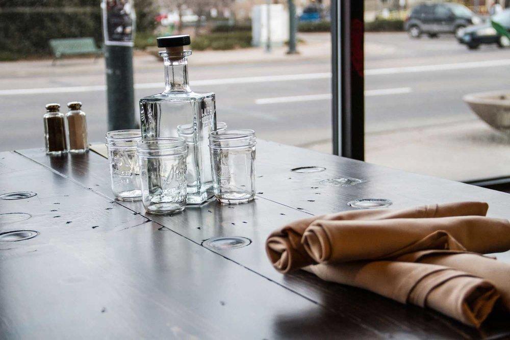 Table_rz.jpg