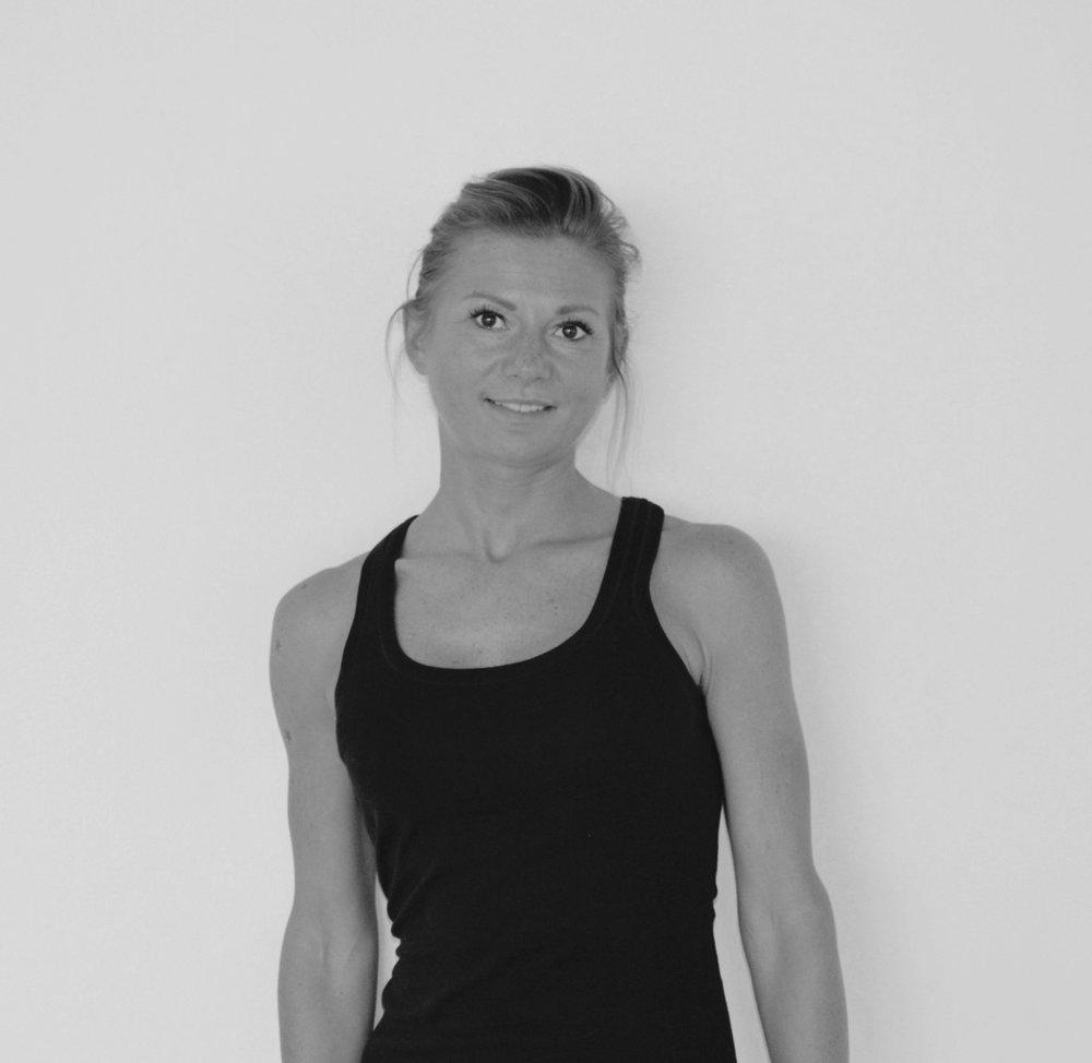 AGA SCHILLERT - PILATES/ FITNESS (DE/EN)Training Certifications:• Y4ALL 50H Pilates TT