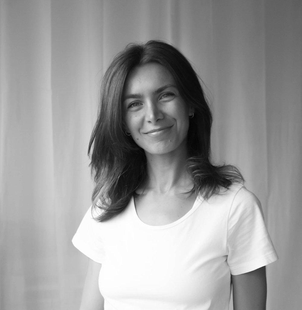 Cristina Dima - teacher                    YOGA (DE/EN)CERTIFICATIONS:• 200H Y4ALL Yoga Certificate• 100H Y4ALL Advanced Yoga Certificate• 50H Y4ALL Pilates Certificate•E-RYT 200