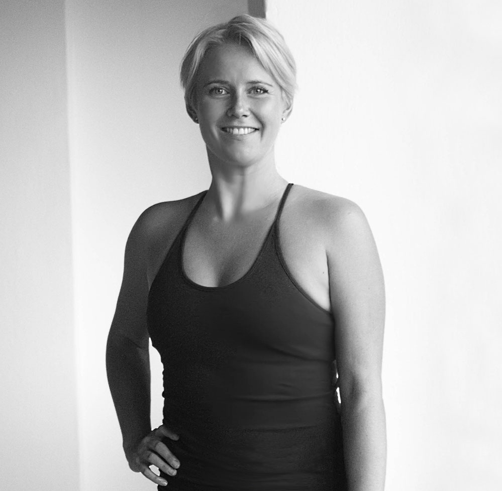 Eileen Möwe - teacher                                       YOGA (DE/EN)CERTIFICATIONS:• Y4ALL 200H Yoga Certificate• Y4ALL 100H Advanced Yoga Certificate• E-RYT 200