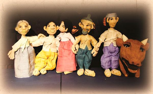2_Kkumdongyi-puppets.jpg