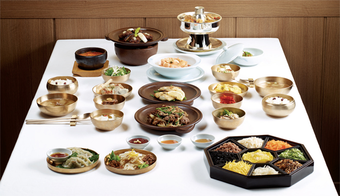 Hanjeongsik (Korean Set Menu). This traditional Korean set meal typically consisted of rice and soup and an assortment of side dishes. The meal is often divided into subgroups according to the number of side dishes, i.e. 3, 5, 7, 9 and 12.