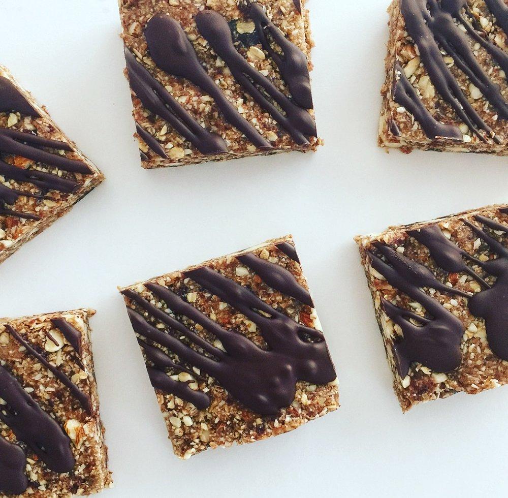 10 minute granola bars by kalejunkie