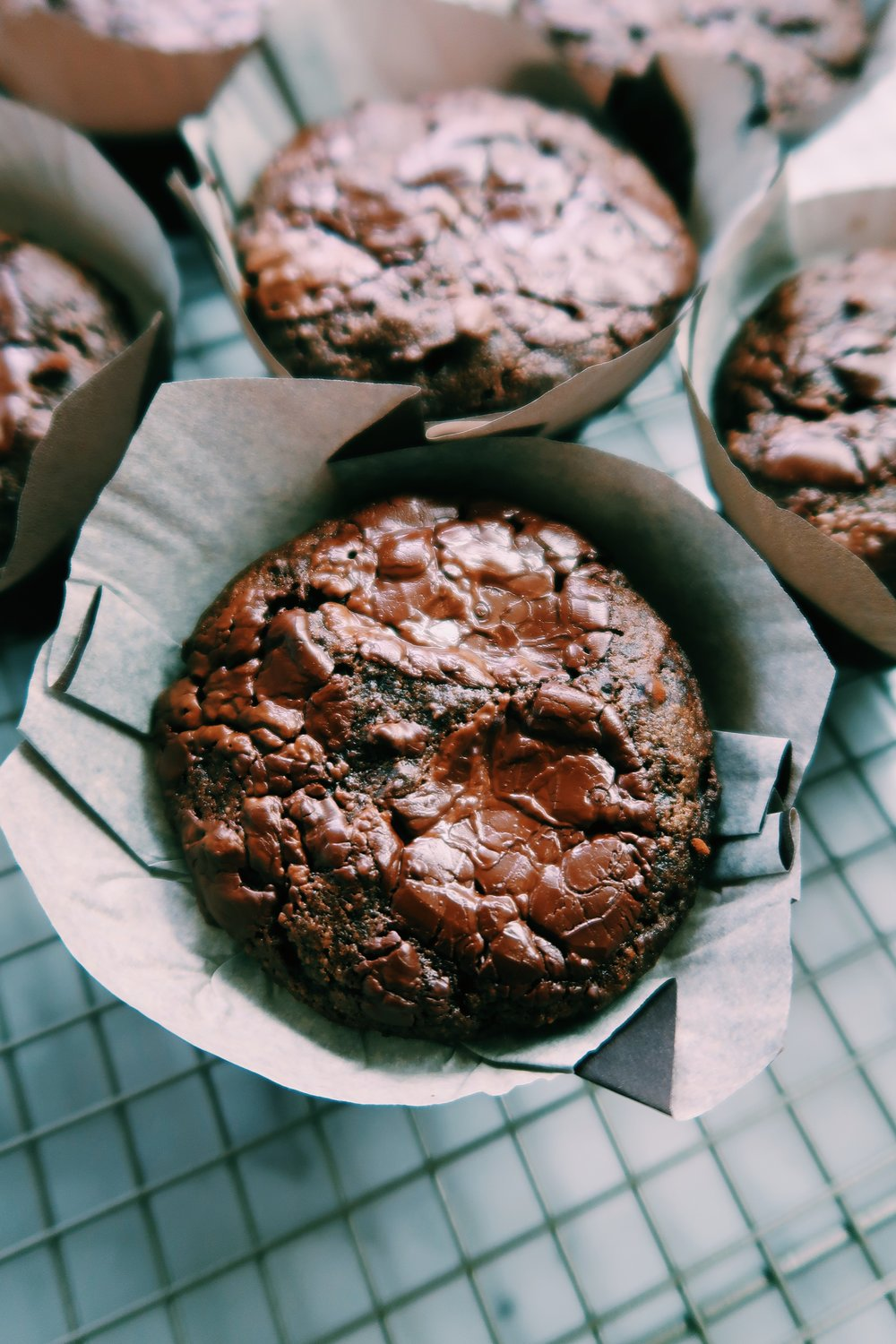 cashew chocolate tahini muffins by kalejunkie