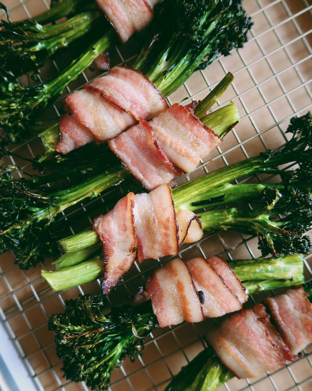 BACON WRAPPED BROCCOLINI - INGREDIENTStwo bunches organic broccolini 3 tb olive oil8 slices sugar-free baconsalt and pepper to taste