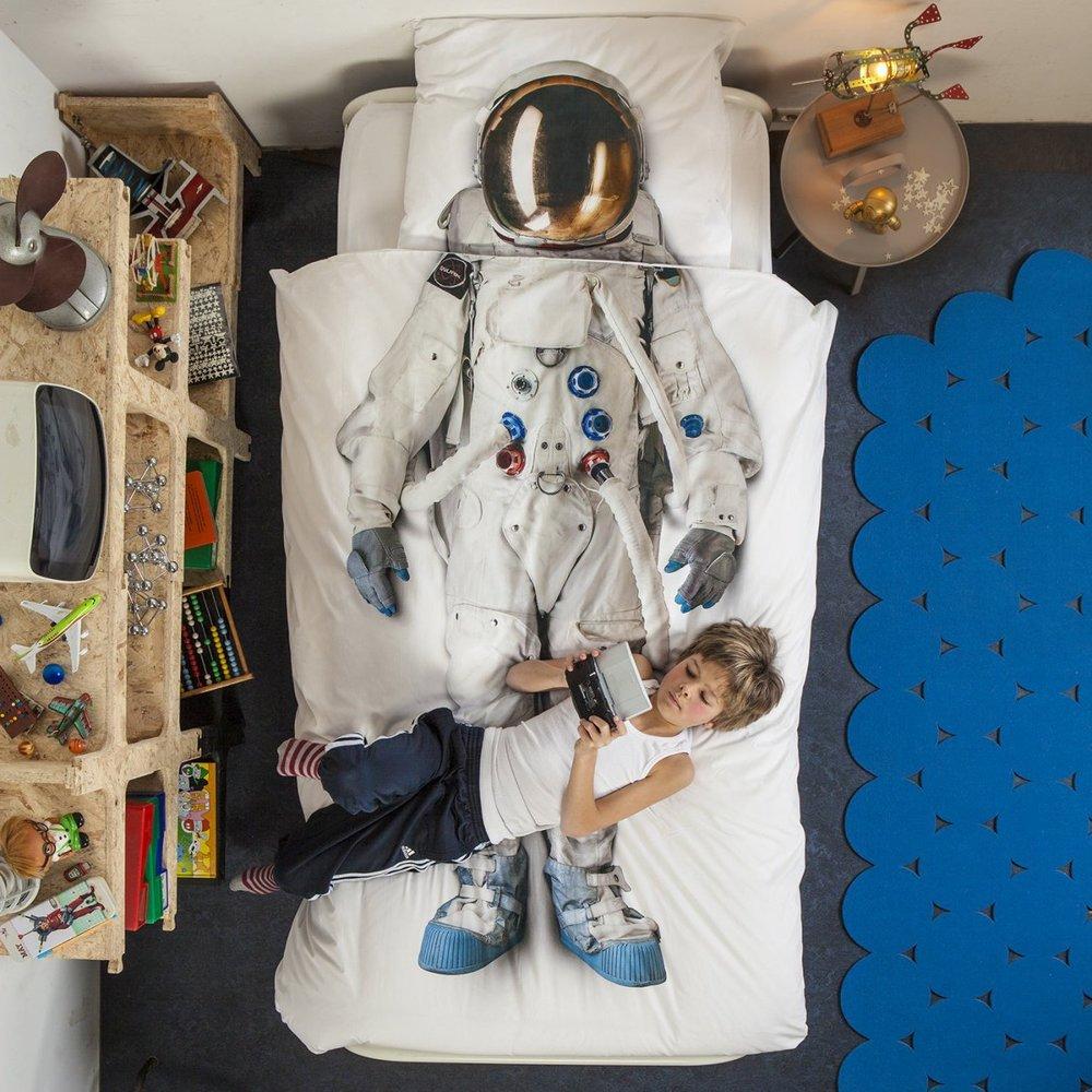 snurk-living-astronaut-cover-duvet-style-3