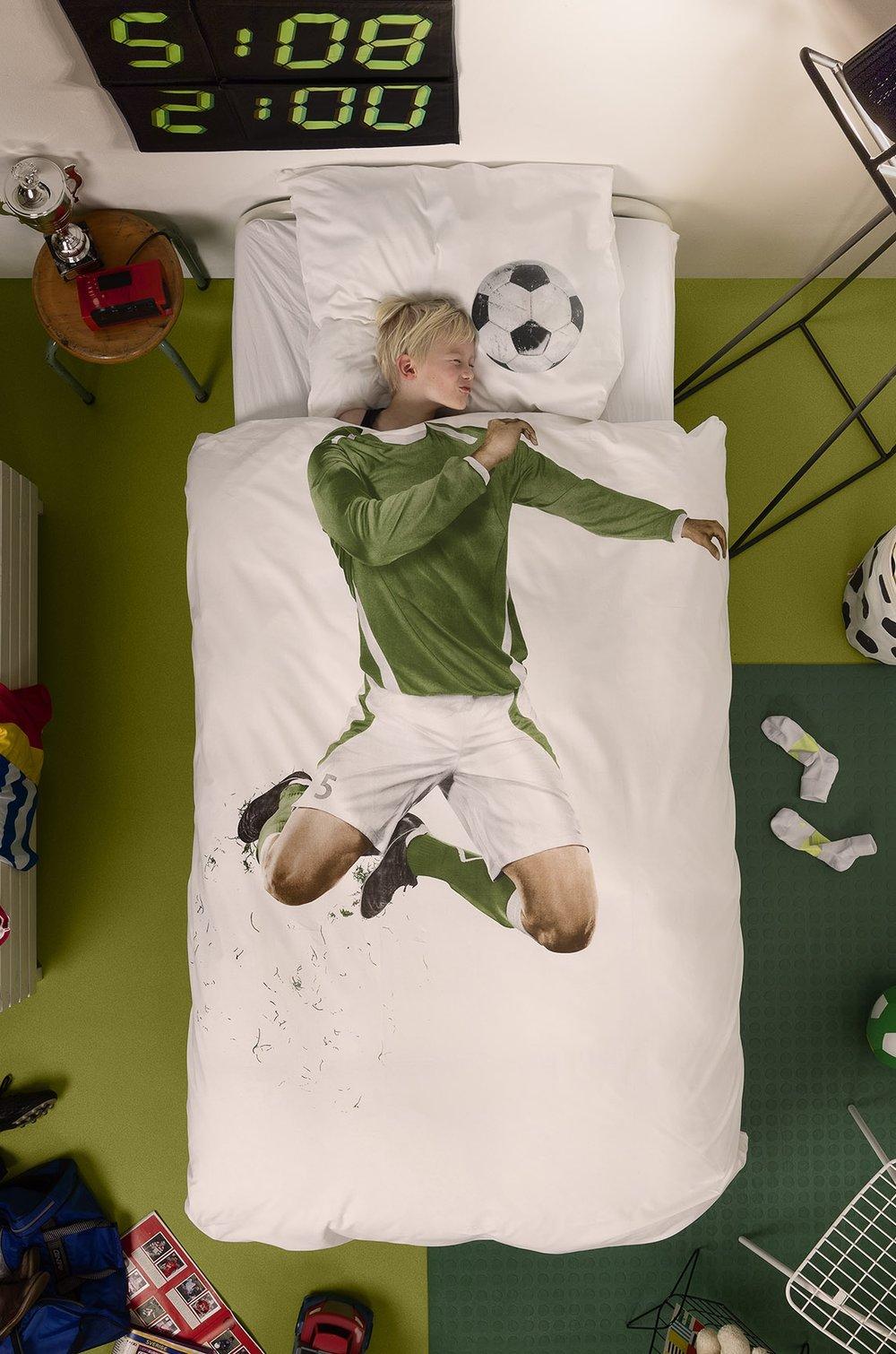 SoccerChamp_styled_01_Lo_RGB (1).jpg