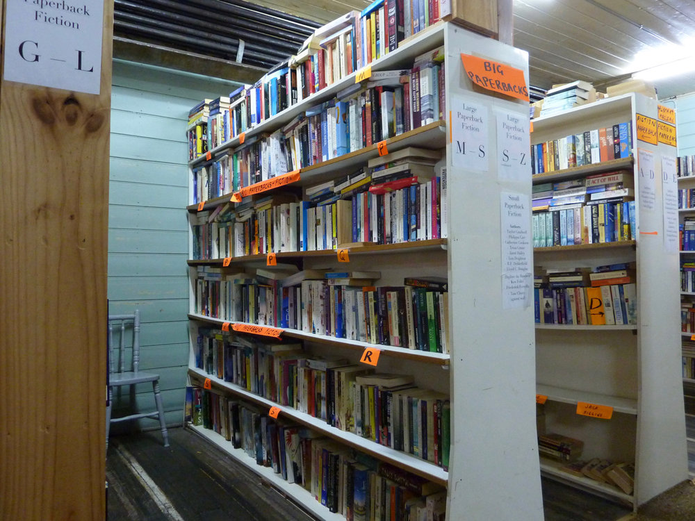 BB Bg Paperback shelves 21-04-2017.jpg