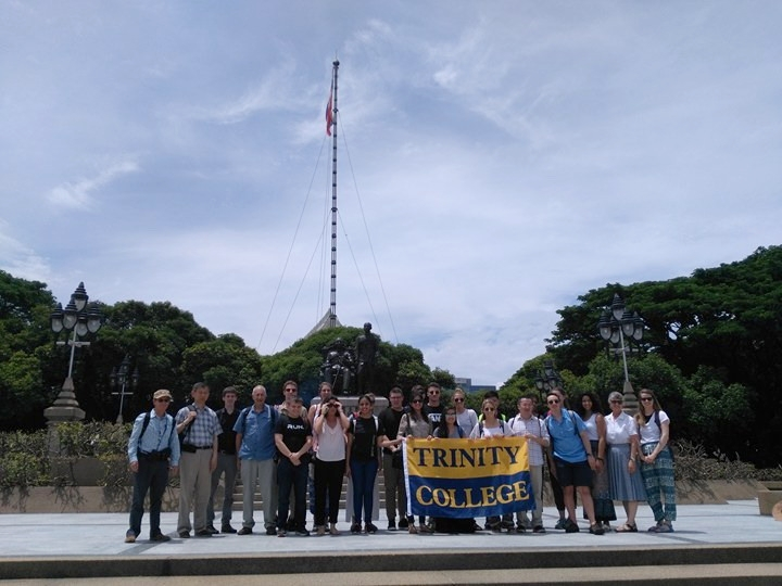 The Trinity College faculty and students at Chulalongkorn University  (Credit: Saittawut Yutthaworakool)