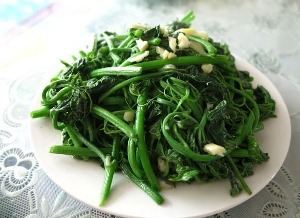 "My favorite dishes ""su su xào tỏi"". Source: Internet"