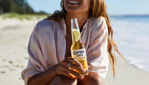 corona-ligera-liquor-barons-cropped-woman.jpg