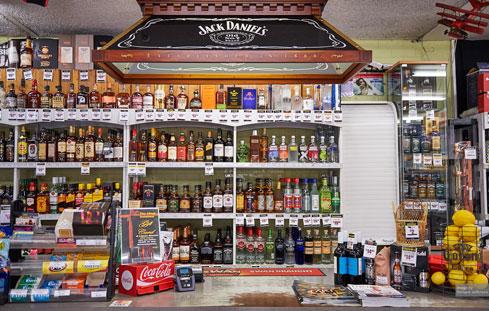 liquor-barons-armadale-counter.jpg