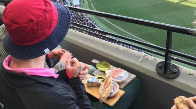 If this Demons fan is anything to go by, it's smashed Avo, blue cheese and proscuitto