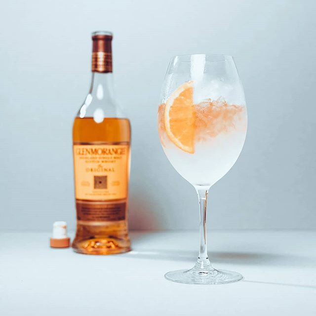 Grab a bottle of @glenmorangie original & get cracking on this deliciously zesty spritz! Super easy to throw together for instant summertime refreshment!  The Orangie Spritz 🍊  45ml Glenmorangie Original  4 Dashes of Angostura Bitters  Combine ingredients over loads of ice in a wine glass, stir & top with a splash of soda & garnish with an orange wheel.
