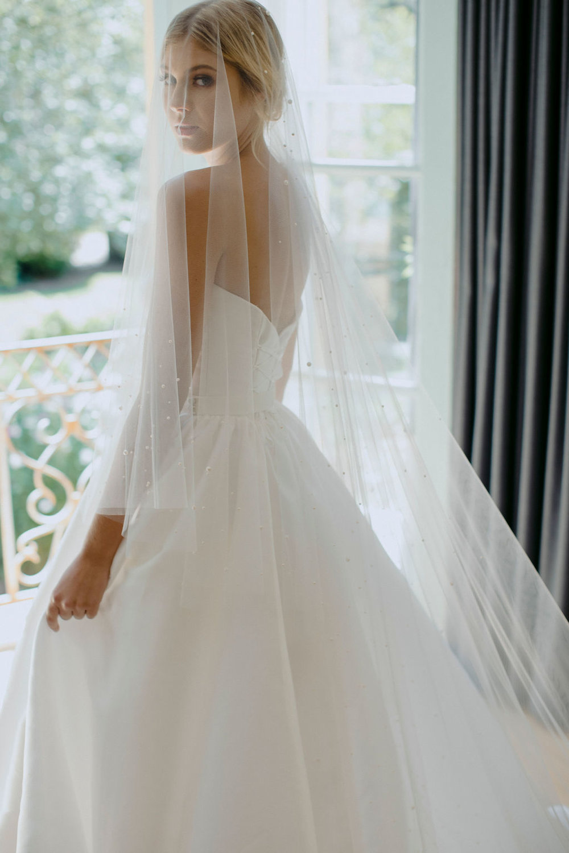 NADIA | LONG PEARL BRIDAL VEIL by TANIA MARAS