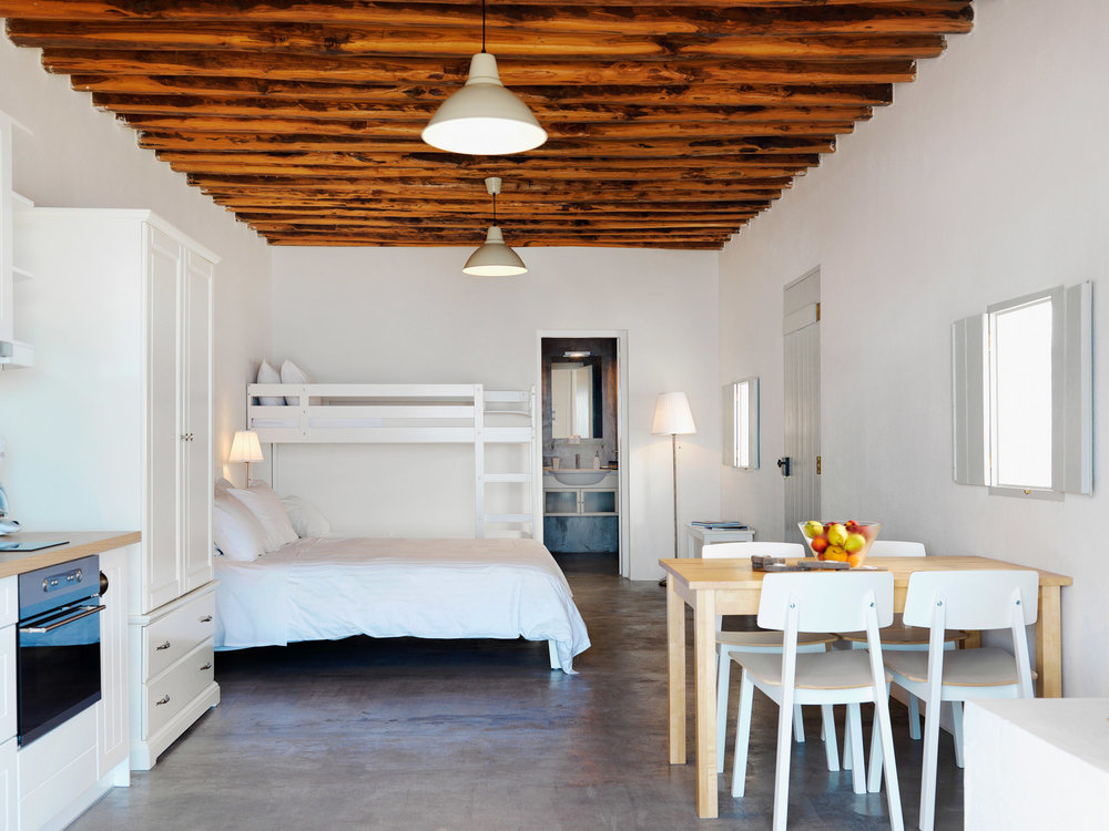 Aria Hotels Thalassa Beach House Kimolos 2.jpg