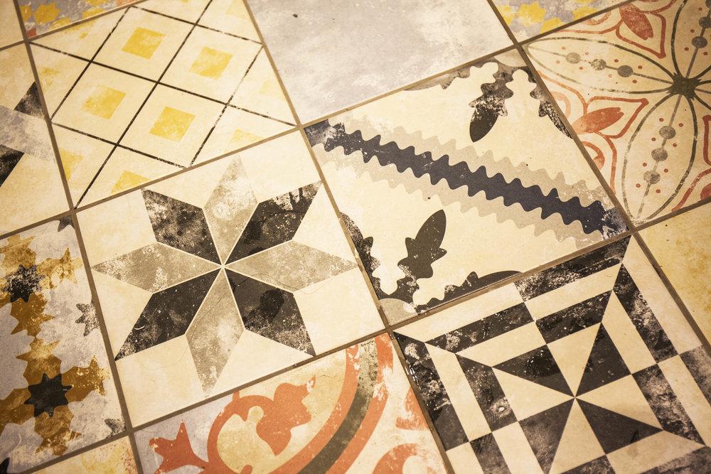 14 Lees Hall Crescent Tiles
