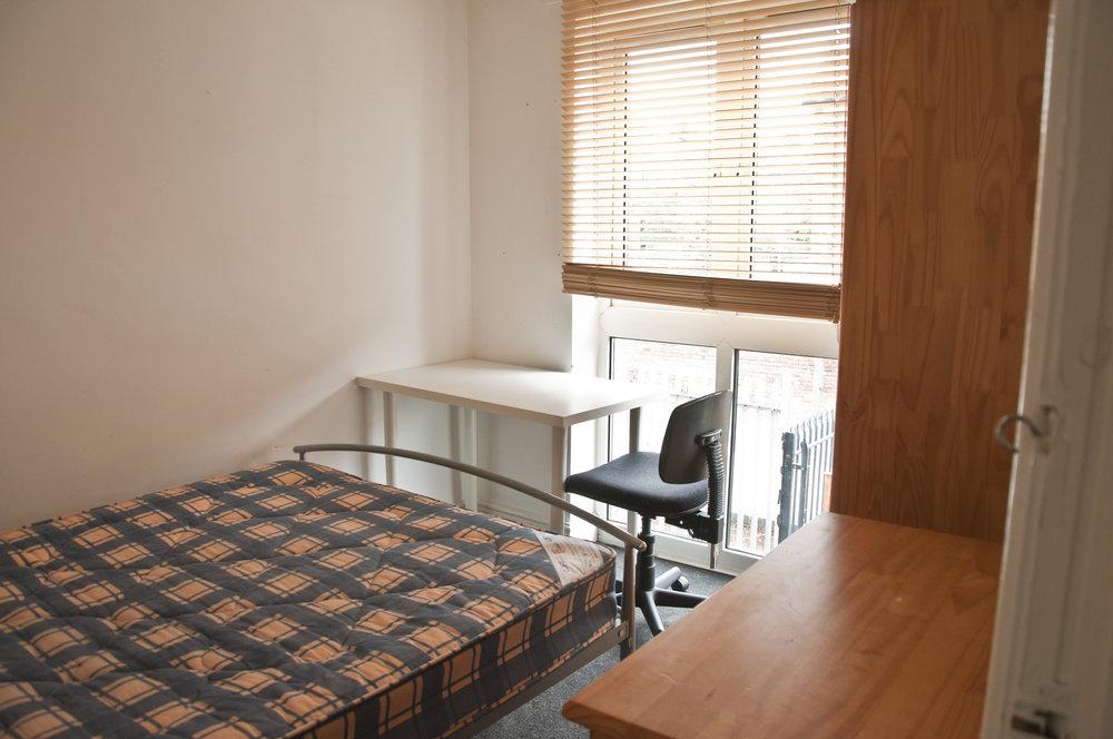 2 JJ Thompson Mews Bedroom