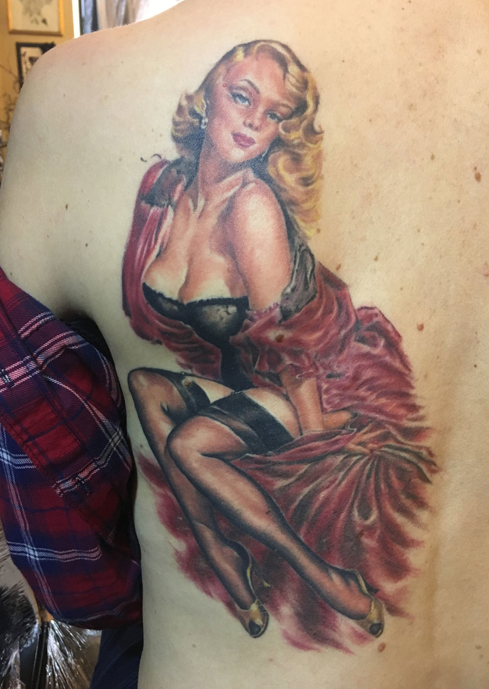 Color Pin Up Tattoo Inspired by Elvgren Reference.  Custom modified for both mine and the client's personal aesthetic tastes, and better compatibility with the tattoo medium (healed) 2016