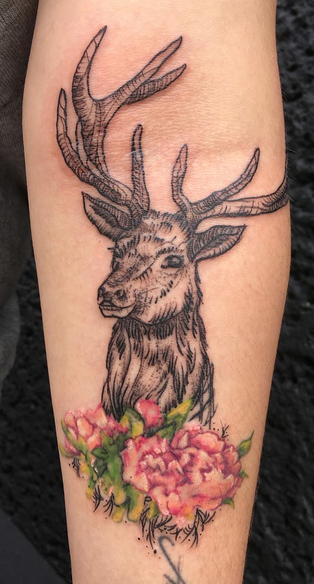 deer linework watercolor flower tattoo truevagabondtattoo berlin.jpg