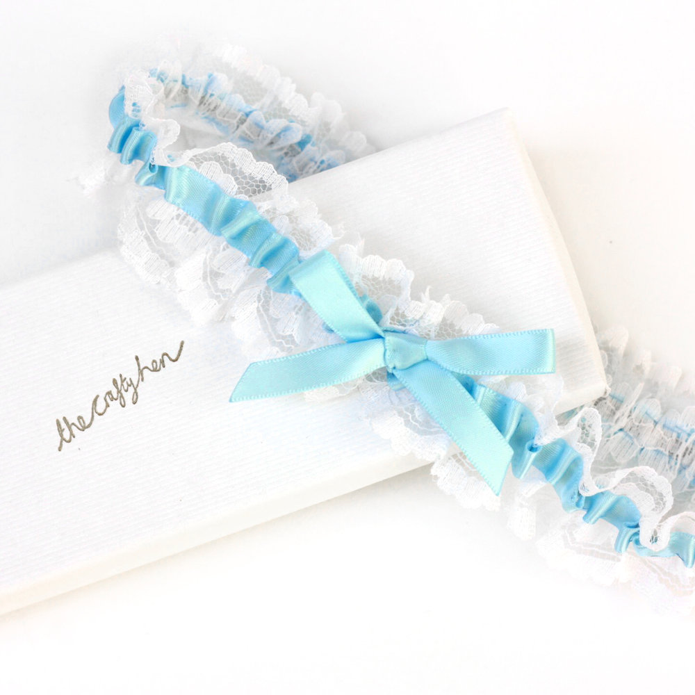 How to Make a Wedding Garter Kit