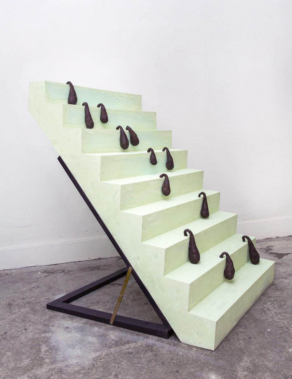 Drops Climbing a Staircase of Foam, 2014 Bemalter Schaumstoff, Keramik ca. 120 x 100 x 70