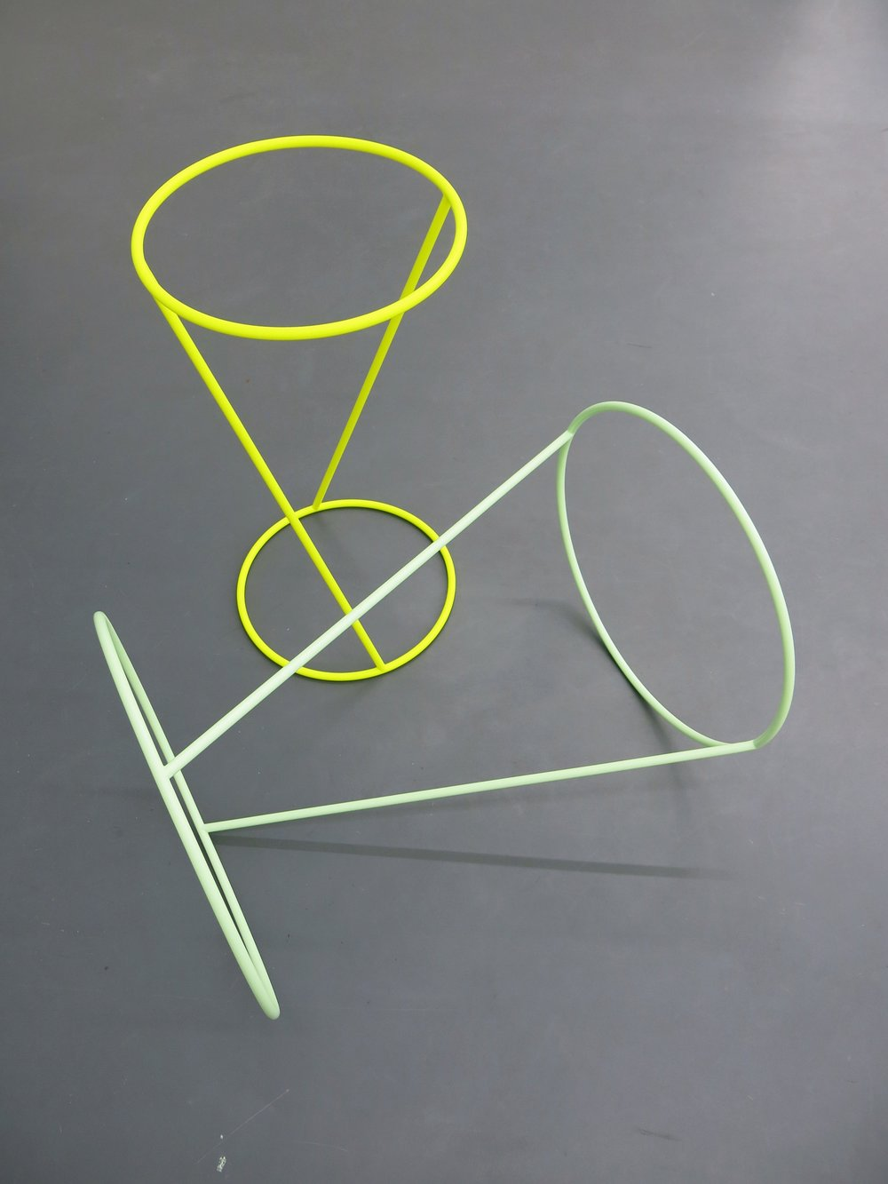 I'll Be Your Mirror, 2012  Stahl bemalt gelb 70 x 40 cm,grün 50 x 70 cm