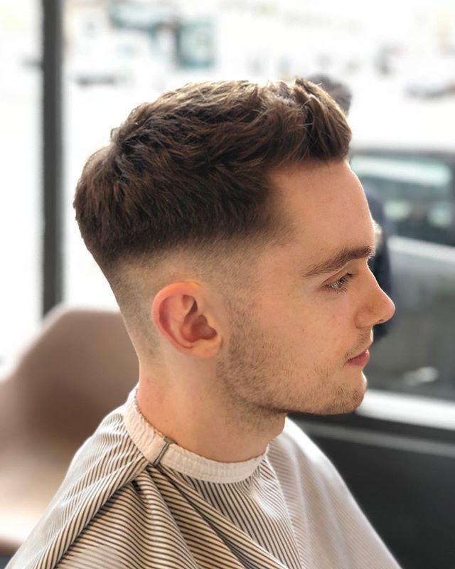Always a pleasure, cheers Ben! 💈✂️🤜🏻 #ELPbarbershop #londonbarber #menshair #wetshave #haircut #beer #barbershop #menshaircut #classiccut #malegrooming #amwellstreet #ec1 #barbershopconnect #modernbarber #wahl #grooming