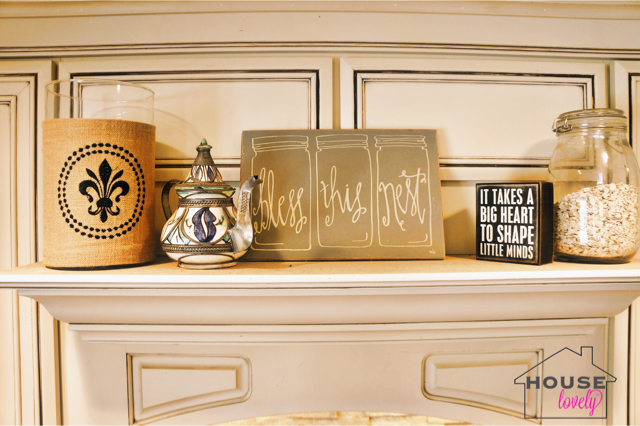 Fun Fact: Fleur-de-lis can be found all throughout the James' home! Giving a nod to Kelley's LA roots.