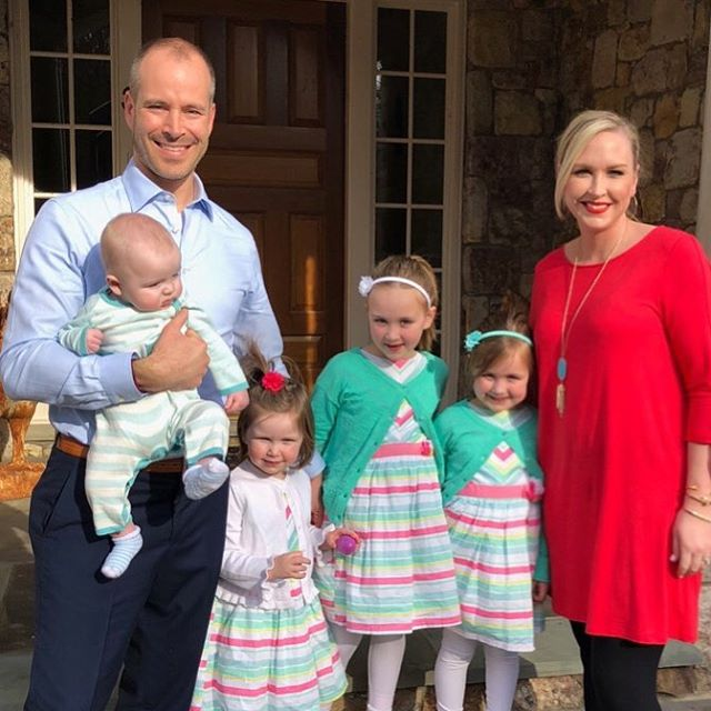 🌸💗🌸Happy Easter from the Sellier six! He is risen, alleluia!🌸💗🌸 #happyeaster #selliersistersonthestoop #mycrew