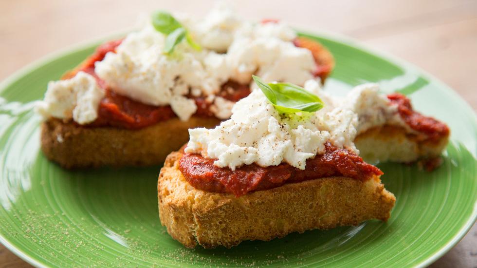 Taste5 Bomba Tomato & Ricotta Crostini